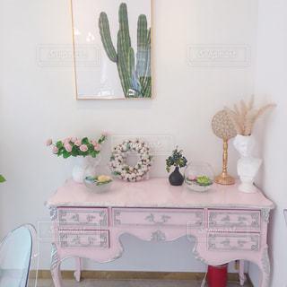 ピンクのインテリア 可愛いお部屋の写真・画像素材[2240726]