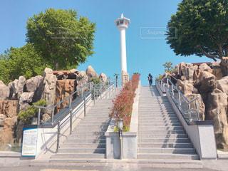 階段上がったら釜山タワー!の写真・画像素材[2242480]