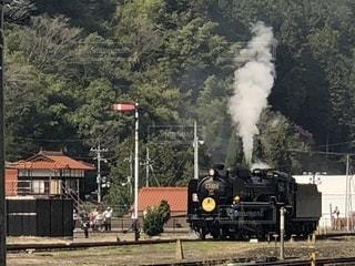 煙が出ている蒸気機関車SLの写真・画像素材[2198840]