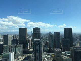 青空と高層ビルの写真・画像素材[2202775]