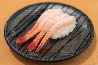 海老のお寿司の写真・画像素材[2245729]