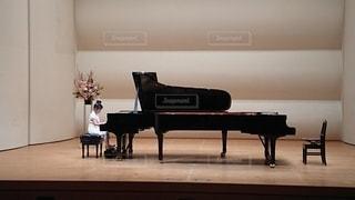 ピアノの発表会の写真・画像素材[2206104]
