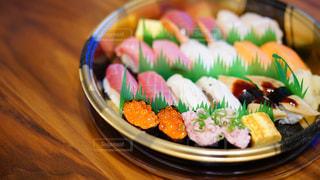 宅配寿司の特上2人前の写真・画像素材[1717261]