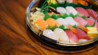 宅配寿司の特上2人前の写真・画像素材[1717262]