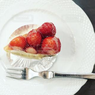 いちごのチーズケーキの写真・画像素材[1872454]