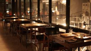 夜カフェの写真・画像素材[2318240]