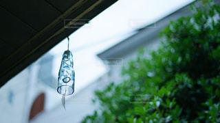 ラムネの瓶で作った風鈴の写真・画像素材[2318350]