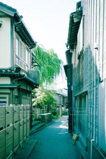 金沢のありふれた裏路地の写真・画像素材[2488177]