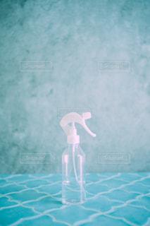 無色透明のスプレーボトルの写真・画像素材[3313462]