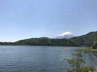 河口湖から眺める富士山の写真・画像素材[2204564]