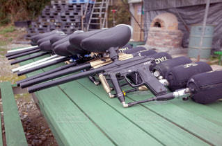 ペイント弾使用の銃の写真・画像素材[2205349]