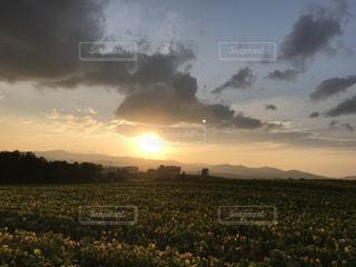 空に雲の群しをするの写真・画像素材[2214989]