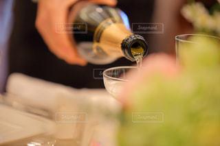 乾杯の準備の写真・画像素材[2212251]