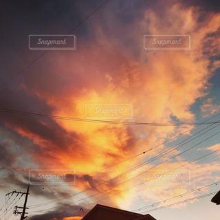 燃える空の写真・画像素材[2213003]