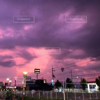夜のとばりの写真・画像素材[2213512]