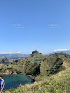 パダール島トレッキングの写真・画像素材[2215274]