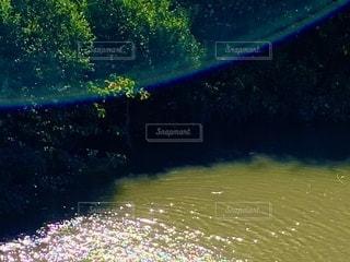 川に出現した外接ハロの写真・画像素材[2725219]