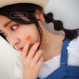 帽子をかぶった女性の写真・画像素材[2233667]