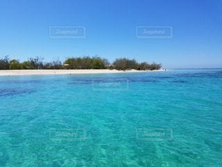 ニューカレドニアのテニア島の海の写真・画像素材[2263837]