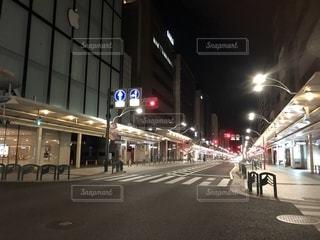 終電後の街の写真・画像素材[2229507]
