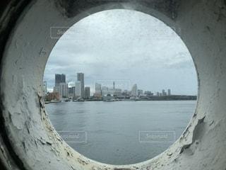 船の窓からの写真・画像素材[2251776]