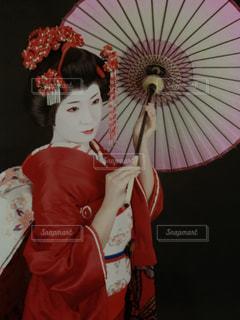 傘を持った舞妓の写真・画像素材[2221044]