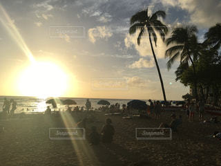 ハワイの夕日の写真・画像素材[2221983]