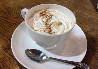 自宅で作れるウィンナーコーヒー。ちょっと贅沢な自宅カフェの写真・画像素材[129906]