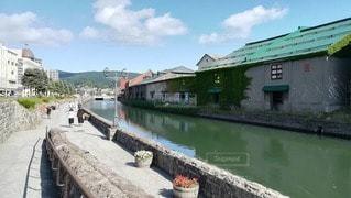 初夏の小樽運河、昼間の風景の写真・画像素材[2408652]