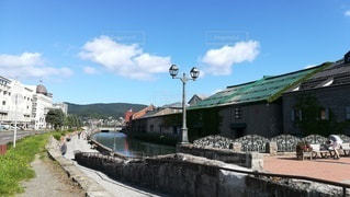夏の晴れた日の小樽運河の風景(日中)の写真・画像素材[2408654]
