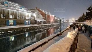 小樽雪あかりの路運河会場。夜の写真・画像素材[2947461]