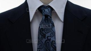 スーツとネクタイのVゾーンの写真・画像素材[2343721]