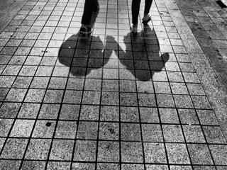手をつないで歩こうの写真・画像素材[2323734]