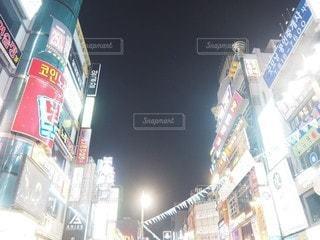 ライトアップされた建物の写真・画像素材[2329291]
