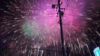 夜空の花火の写真・画像素材[2273027]