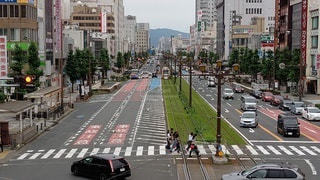 交通量の多い市街地の写真・画像素材[2305028]