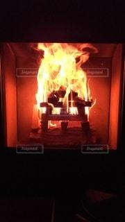薪ストーブの炎の写真・画像素材[2228860]