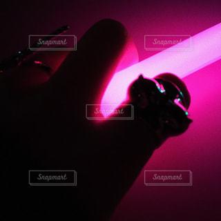 ネオンピンクの光の写真・画像素材[2229633]
