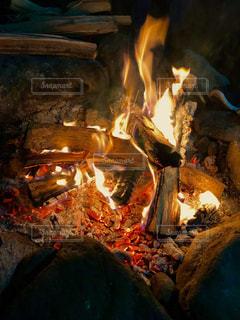 焚火の写真・画像素材[2251298]