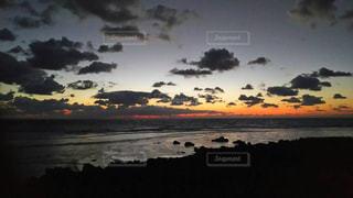 島の夕暮れの写真・画像素材[2233019]