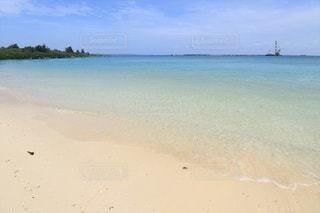 青い海と白い砂浜の写真・画像素材[2316783]