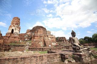タイのアユタヤにあるワットプラマハタートの写真・画像素材[2266710]
