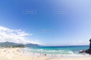 コバルトブルーのビーチの写真・画像素材[2271193]