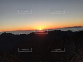 北アルプスの夕日の写真・画像素材[2243671]