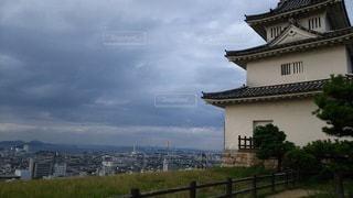 香川 丸亀城 夕暮れ時の天守の写真・画像素材[2730826]