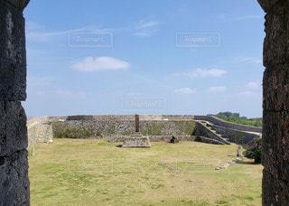 沖縄 中城城跡 二の郭 城門からの眺めの写真・画像素材[2896965]