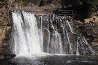 滝と虹の写真・画像素材[2248866]