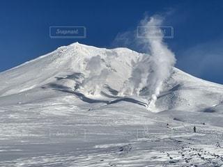 冬の旭岳の写真・画像素材[2438289]