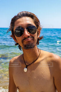 海が似合う彼の写真・画像素材[2397668]