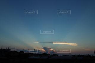 空に雲の群しをするの写真・画像素材[2405857]